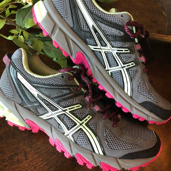 ASICS GEL-Sonoma women's running shoe